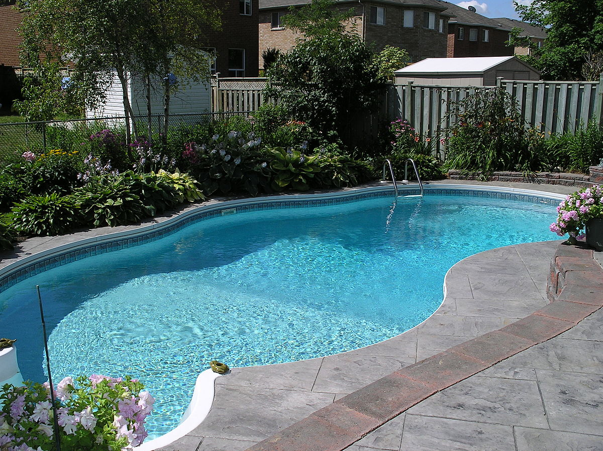 Pool automation detecting levels of chlorine.